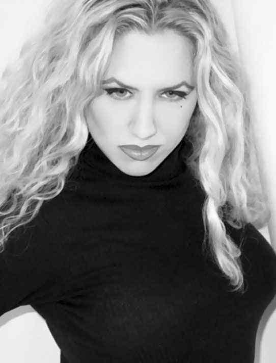 Melantha Blackthorne female celebrities